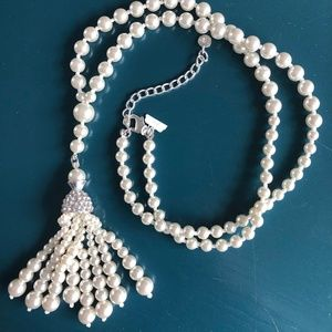 Talbots glass pearl necklace